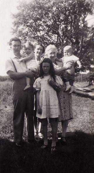 Weir family 1945